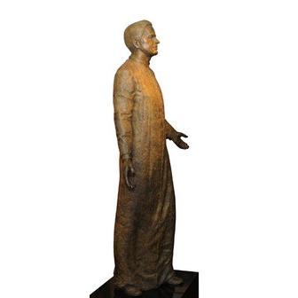 /mcg_statue_52456.jpg