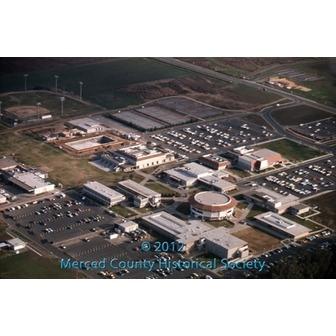 /merced_college_campus_1975_53569.jpg
