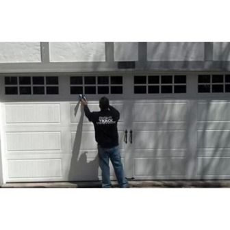/right-track-garage-door_64149.jpg