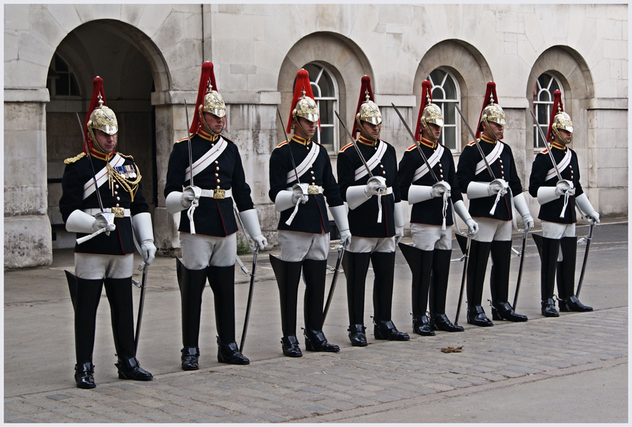 queens life guards - 900×608