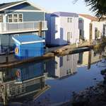 Calm reflections Houseboats