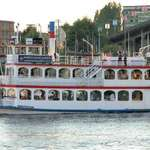 Sternwheeler Evening Dinner Cruise